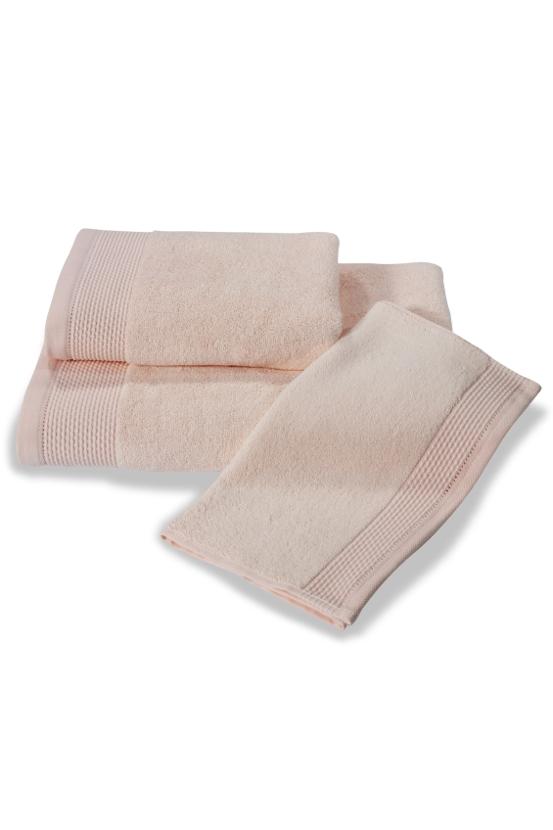 Soft Cotton Bambusová osuška BAMBOO 85x150 cm. Bambusové osušky BAMBOO mají přirozené antibakteriální vlastnosti, odolávají bakteriím a plísním a jsou ideální pro každodenní použití i do sauny. Růžová