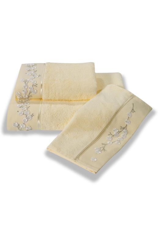 Soft Cotton Bambusový ručník RUYA 50x100cm. Tyto ručníky mají až 4x větší savost než bavlna, jsou velice jemné, savé a rychleschnoucí. Světle žlutá