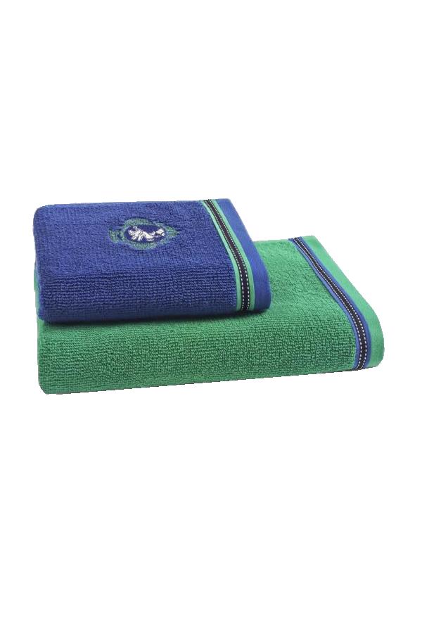 Soft Cotton Osuška PEGASUS 75x150 cm. Velká, pohodlná, příjemná na dotyk. Taková je osuška z kolekce PEGASUS, v sytě zelené barvě se zajímavými modrými a přitom nevtíravými detaily. Modrá