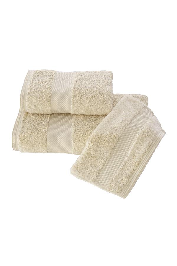 Soft Cotton Dárková sada ručníků a osušek DELUXE. Dárkový set ručníků a osušek DELUXE z modalového vlákna (32x50cm + 50x100cm+ 75x150cm). Pojme až 5x tolik vody, než sama váží v suchém stavu! Světle béžová