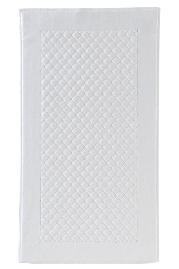 Soft Cotton Koupelnová předložka MAIA Crystal Swarovski 50x90 cm. Luxusní froté koupelnová předložka MAIA Yildiz Crystal Swarovski 50x90 cm. Svými vlastnostmi jako je měkkost, hebkost Vás zaujme na první pohled. Bílá