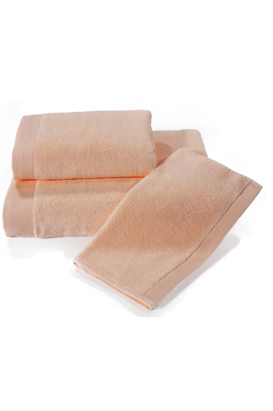 Soft Cotton Dárková sada ručníků a osušek MICRO COTTON. Ručníky a osušky s antibakteriální ochranou jsou vyrobeny z česané 100% MICRO bavlny o gramáži 500 g/m2. Lososová