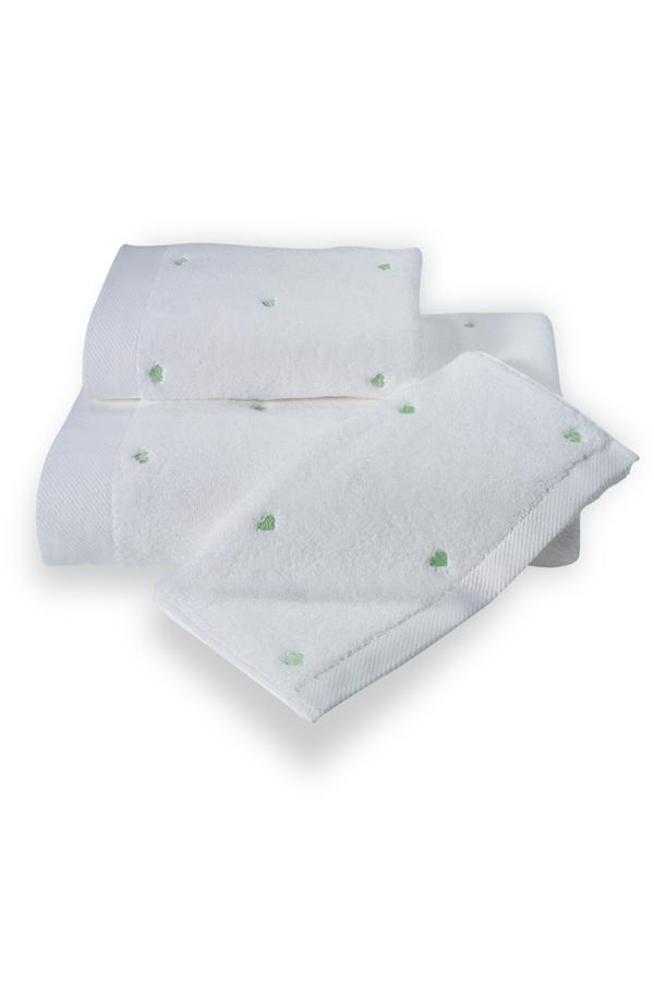 Soft Coton Ručník MICRO LOVE 50x100 cm. Luxusní froté ručníky MICRO LOVE 50x100 cm ze 100% česané Micro bavlny - mikrovlákna. Velice jemné, savé a rychleschnoucí. Bílá / mentolové srdíčka