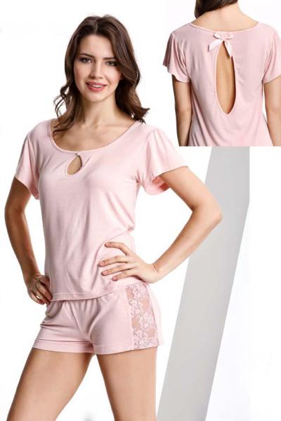Luisa Moretti Dámské bambusové pyžamo GAIA. Luxusní pyžamo GAIA snadno vymodeluje dámskou postavu a lehce k ní přilne a to díky elastického materiálu, kterým je příjemné 100% bambusové vlákno. M Lososová