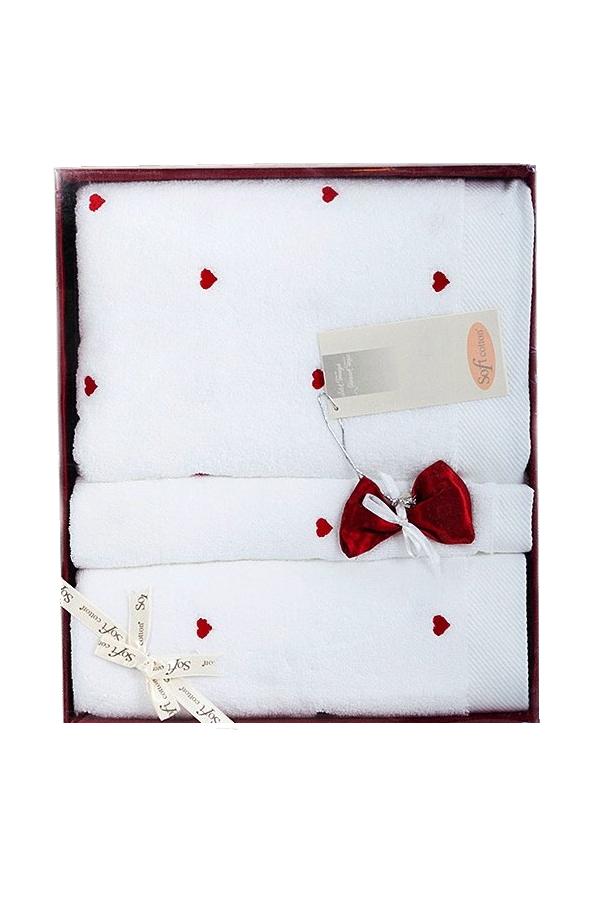 Soft Cotton Dárkové balení ručníků a osušek MICRO LOVE. Dárkové balení luxusních froté ručníků a osušek MICRO LOVE z Micro bavlny. Vlákna mají vyšší absorpci a udržují barevnou stálost. Bílá / červené srdíčka
