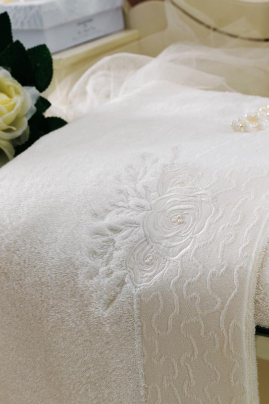 Soft Cotton Luxusní osuška MELIS 85x150cm. Neexistuje nic lepšího, než načechraná a teplá osuška po koupeli! Froté osušky MELIS s elegantní výšivkou. Smetanová