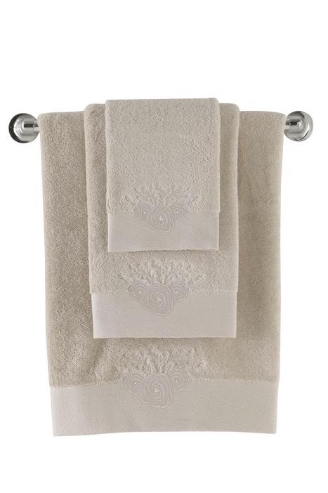 Soft Cotton Luxusní osuška MELIS 85x150cm. Neexistuje nic lepšího, než načechraná a teplá osuška po koupeli! Froté osušky MELIS s elegantní výšivkou. Cappuccino